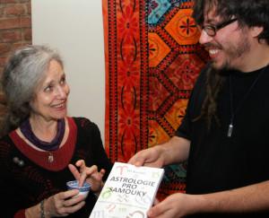 Astrolog Vít Kuntoš na křtu knihy s Táňou Fischerovou